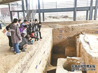 踏入考古探方 惊艳一眼千年